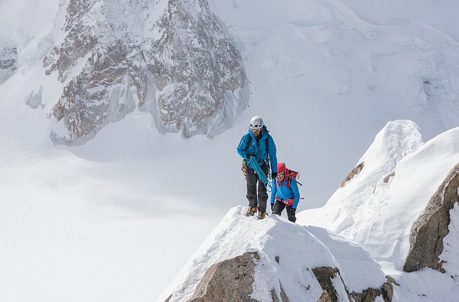 Travel & Adventure - climbing Everest